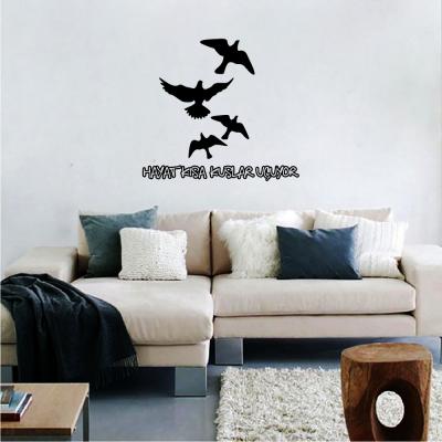 Hayat Kısa Kuşlar Uçuyor Düz Yazı Duvar Stickerı 60x55cm