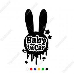 Taşvan ve Baby İn Car Yazısı Yazısı Sticker Yapıştırması