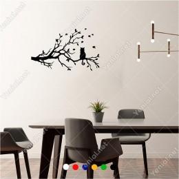 Ağacın Üzerinde Kuş Avlayan Kedi 60x40 cm Duvar Sticker