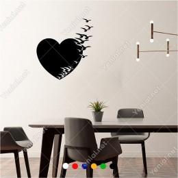 Kalbin İçinden Uçuşup Giden Kuşlar 55x60 cm Duvar Sticker