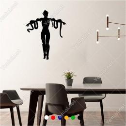 Kollarını Açmış Kadın ve İki Yılan 50x60 cm Duvar Sticker
