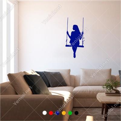 Salıngaçta Yavaş Yavaş Sallanan Kadın 30x60 cm Duvar Sticker