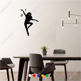 Tek Ayağı Üzerinde Dans Eden Kadın 60x44 cm Duvar Sticker